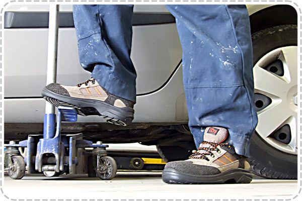 Изучаем защитные свойства рабочей обуви