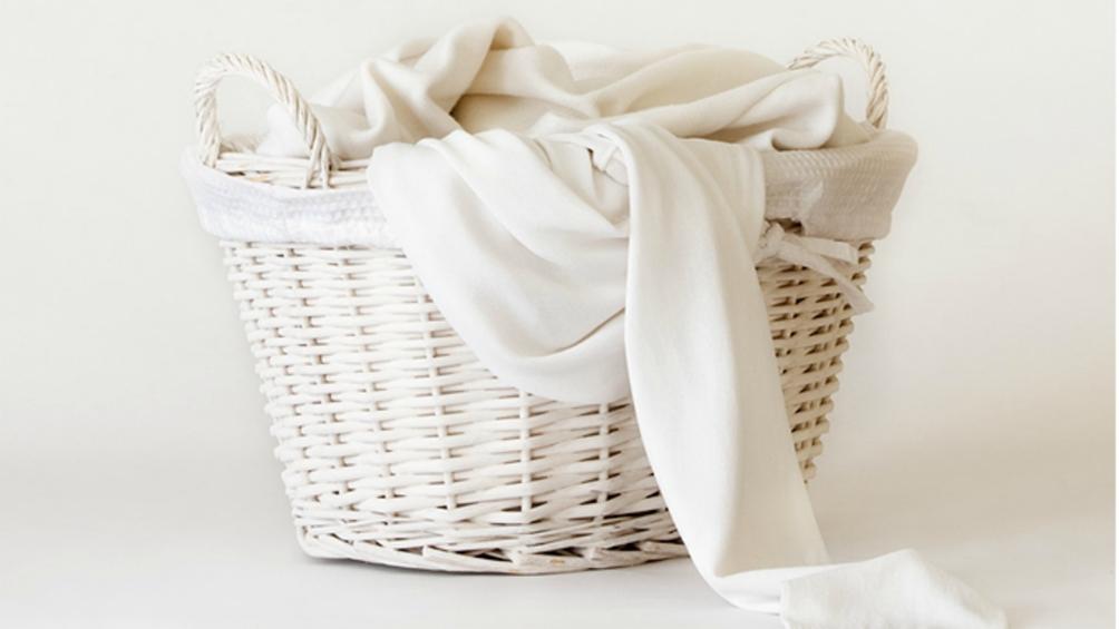 Из данной статьи вы узнаете как отбелить футболку в домашних условиях. И ответы на другие вопросы